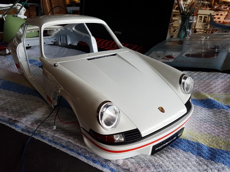 La construction de la porsche 911 Carrera d'Altaya au 1/8 ème - Page 2 Szorie55