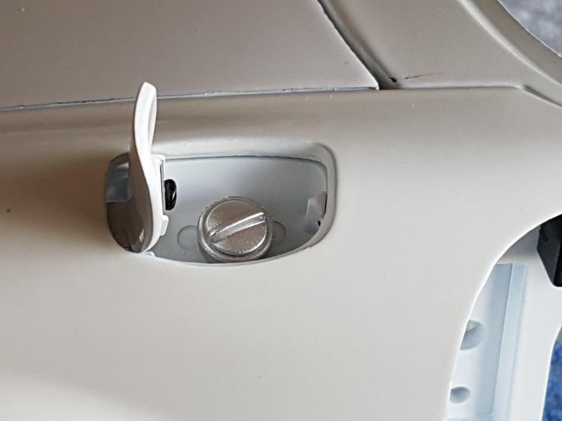La construction de la porsche 911 Carrera d'Altaya au 1/8 ème - Page 2 Szorie57