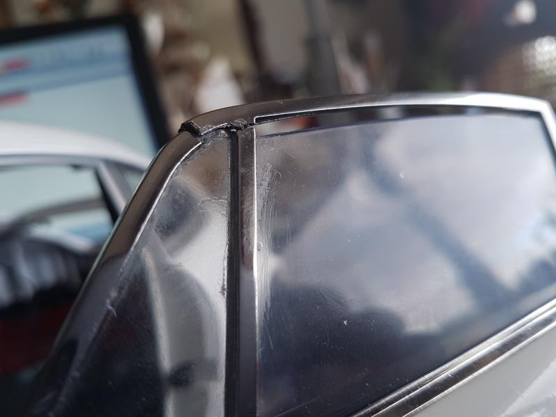 La construction de la porsche 911 Carrera d'Altaya au 1/8 ème - Page 2 Szorie79