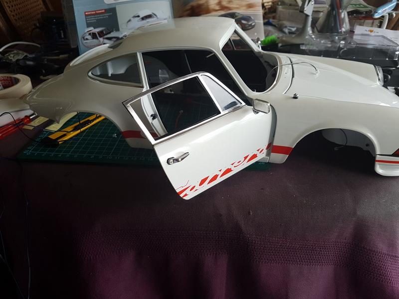La construction de la porsche 911 Carrera d'Altaya au 1/8 ème - Page 2 Szorie82