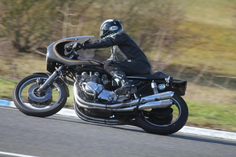Une moto pour la piste... 41878810