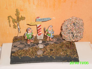 Mes Diorama Astérix sur base kinder et materiaux recuperatio Fronti15