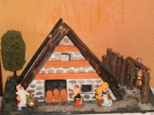 Mes Diorama Astérix sur base kinder et materiaux recuperatio Maison10