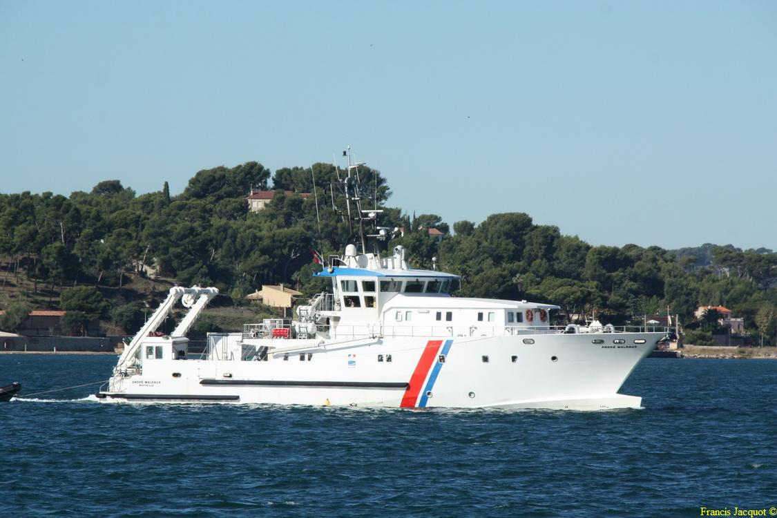 [LES PORTS MILITAIRES DE MÉTROPOLE] Mouvements de Bâtiments dans la rade de Toulon - Page 5 215