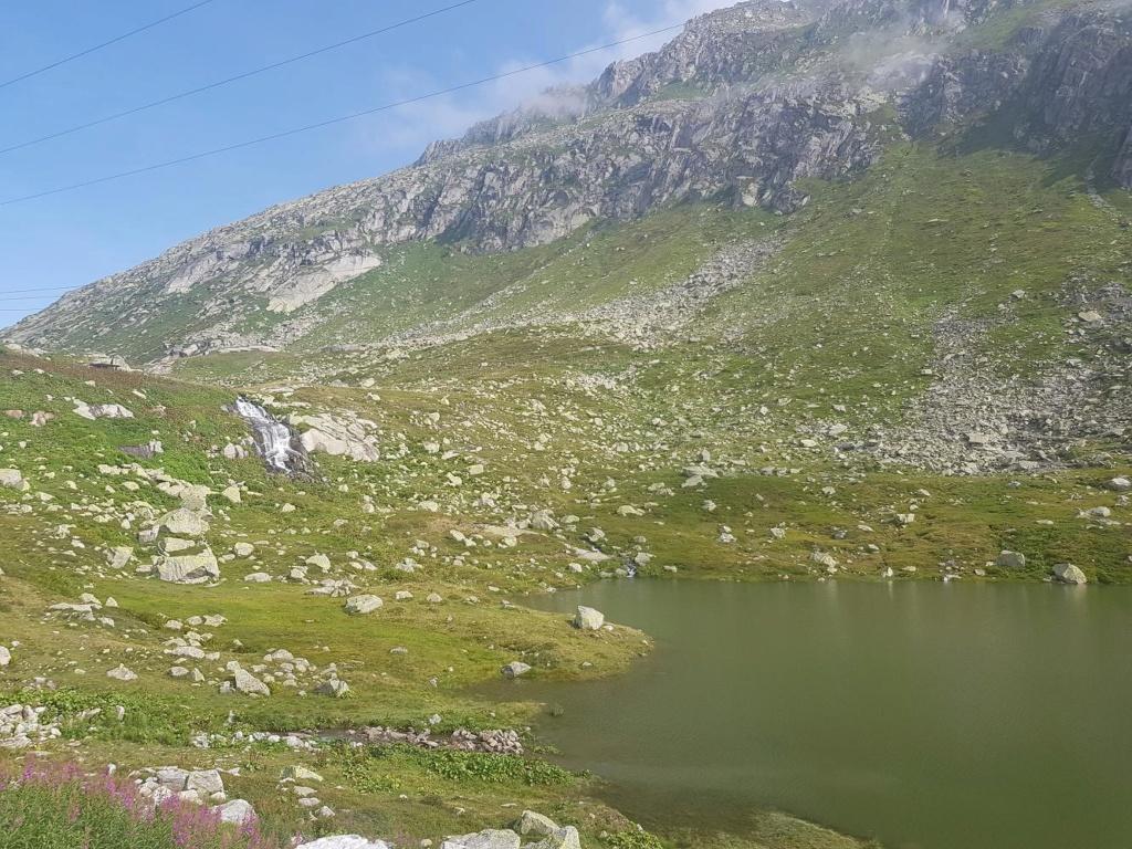 6R6 en Suisse 20190834