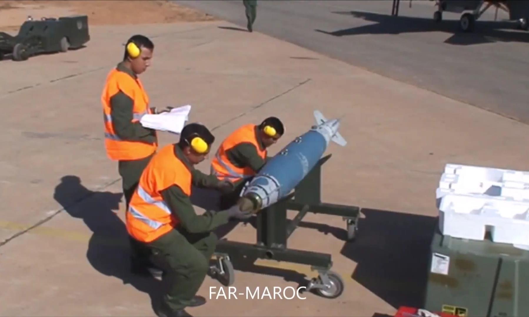 Missiles (Air-Air / Air-Sol / Air-Mer) roquettes et bombes en dotation. - Page 9 Screen10