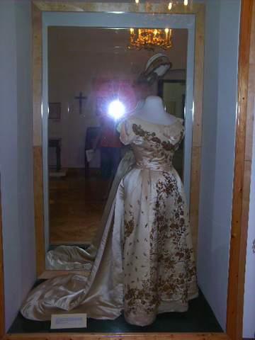 Les robes de l'impératrice Sissi Vateme10