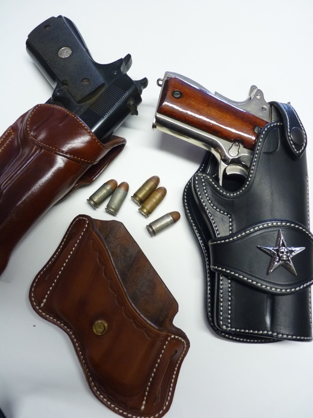 HOLSTERS pour 1911 by SLYE P1130157
