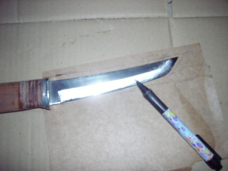 Bricolage d'un étui pour couteau. Imgp5011