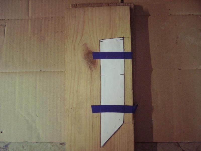 Bricolage d'un étui pour couteau. Imgp5113