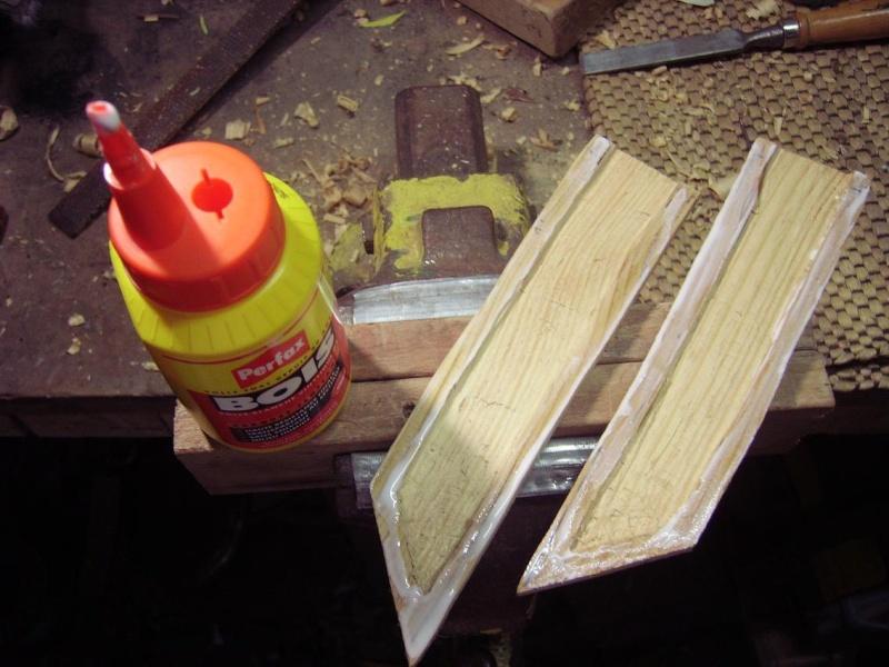 Bricolage d'un étui pour couteau. Imgp5121