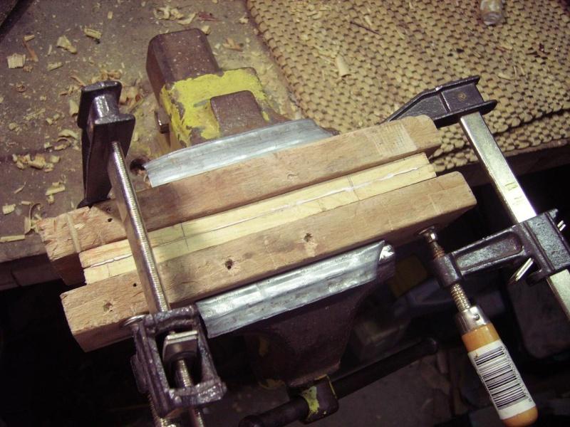 Bricolage d'un étui pour couteau. Imgp5122