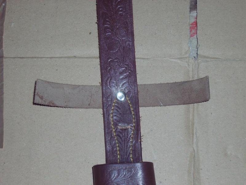 Bricolage d'un étui pour couteau. Imgp5125