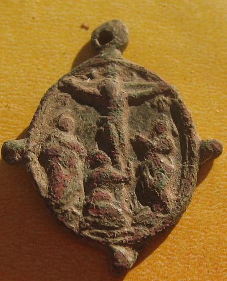 Médaille Avers Vierge/Revers Scène de la crucifixion - XVIIème Img_5621