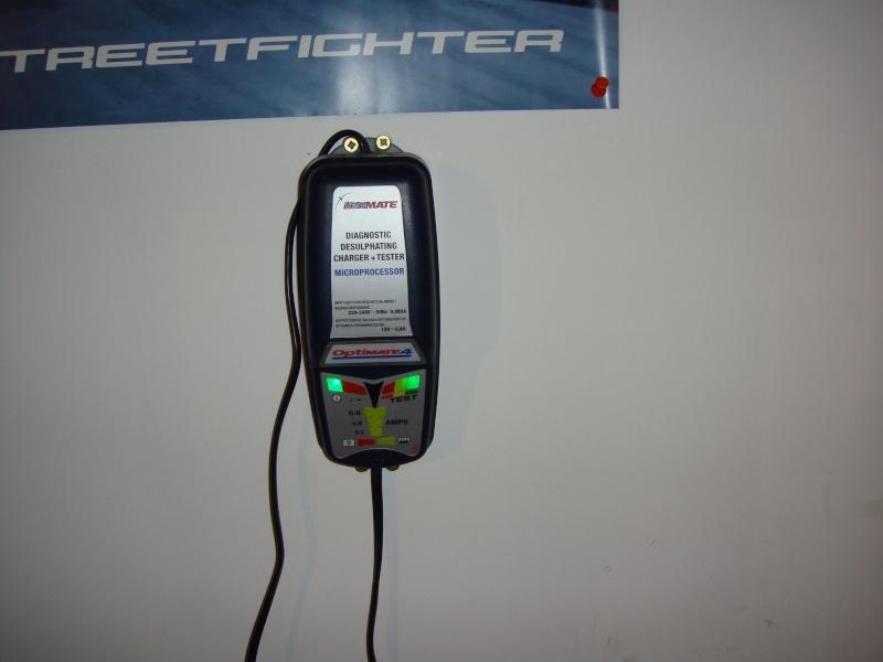 Chargeur batterie/mainteneur de charge Ducati - Page 2 Dsc02611