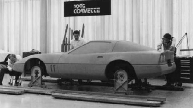 Voila pourquoi la C4 est a part et est la matrice des Corvette moderne 00358810