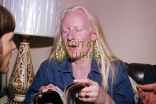 Johnny Winter - Page 3 Jfmusi12