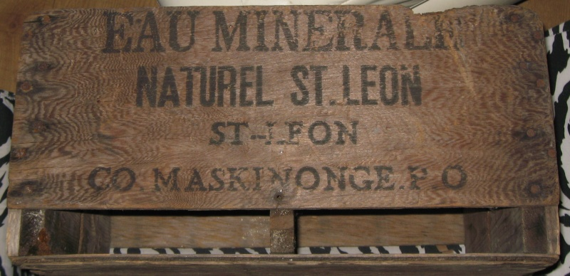 une caisse de bois  st leon  12210
