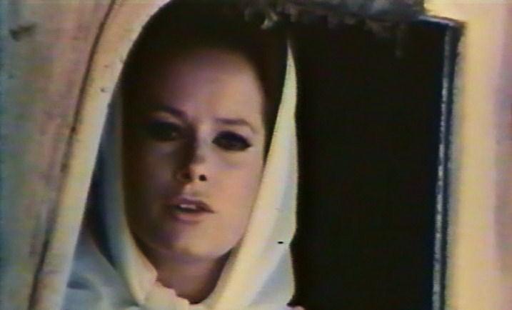 [Actrice]Luciana Paluzzi Vlcsn127