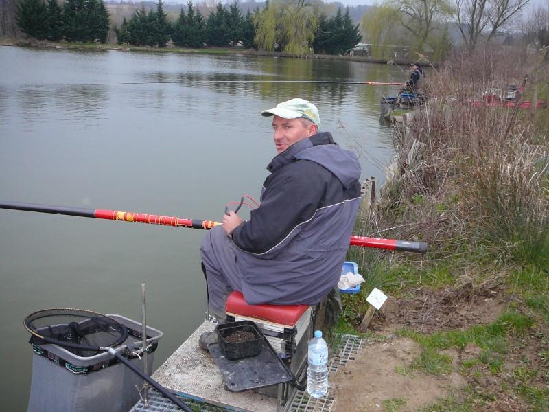 concours individuelle 14 avril sur le plan d'eau de chuzelles  - Page 2 P1100610
