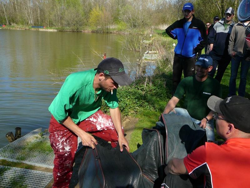 concours individuelle 14 avril sur le plan d'eau de chuzelles  - Page 4 P1100811