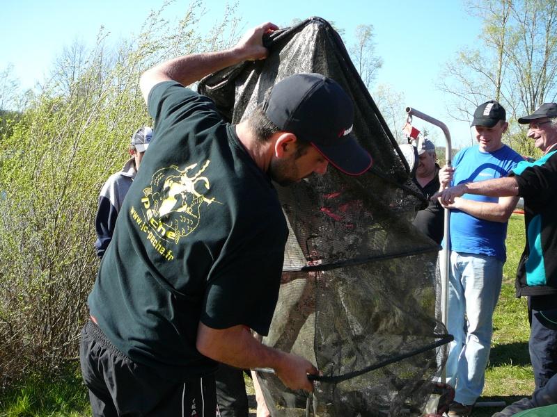 concours individuelle 14 avril sur le plan d'eau de chuzelles  - Page 4 P1100814