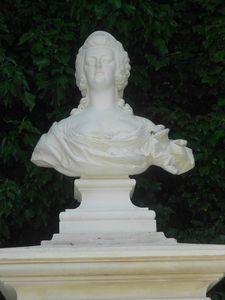 Bustes de Marie-Antoinette non attribués 89181110