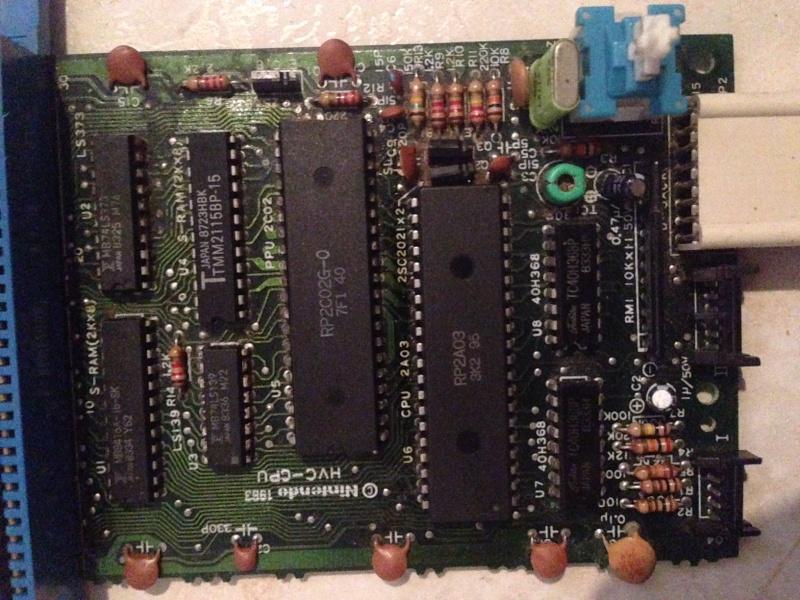 Modifier la sortie vidéo d'une Famicom par Bob Dupneu Img_3512