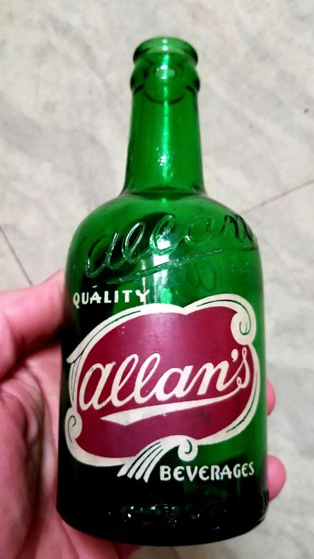 Bouteilles Allan's 212