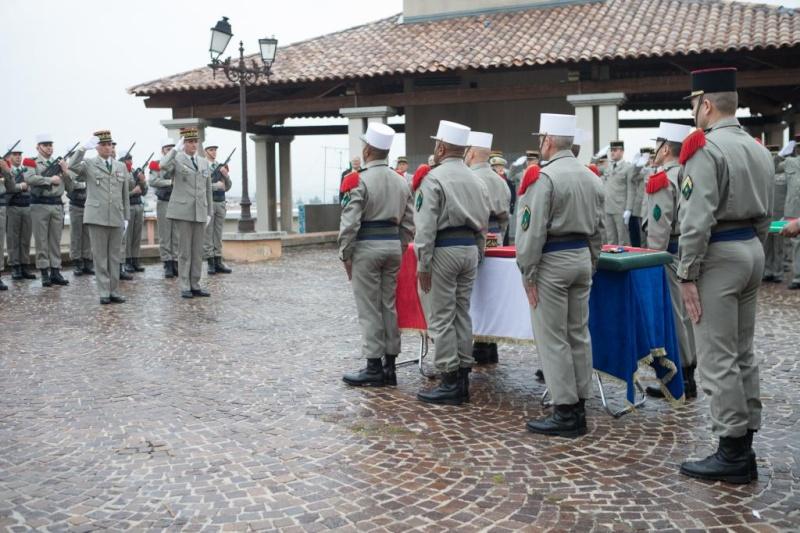 Obsèques du général (2s) Goupil Obsequ10