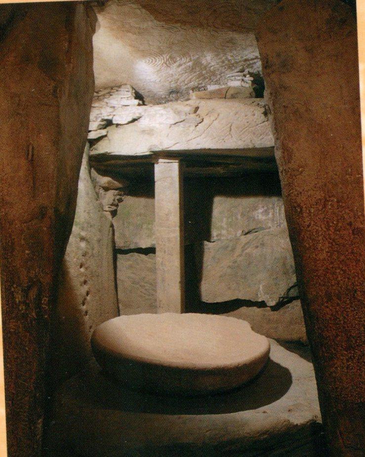 "La nécropole de ""Newgrange"" en Irlande... Tumuli15"