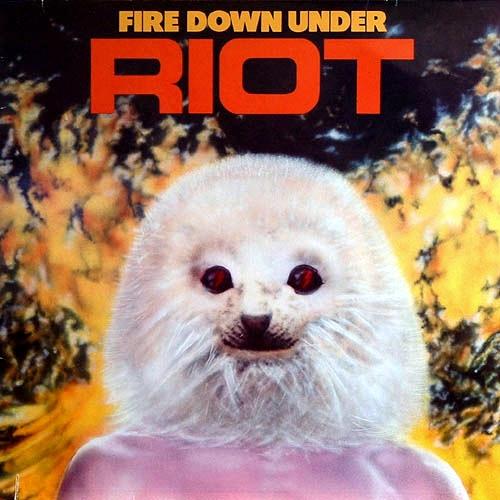 Est-il important d'avoir une belle pochette sur un Album ? Riotfd10