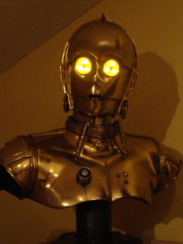 C-3PO LIFE SIZE BUST Dsc01110