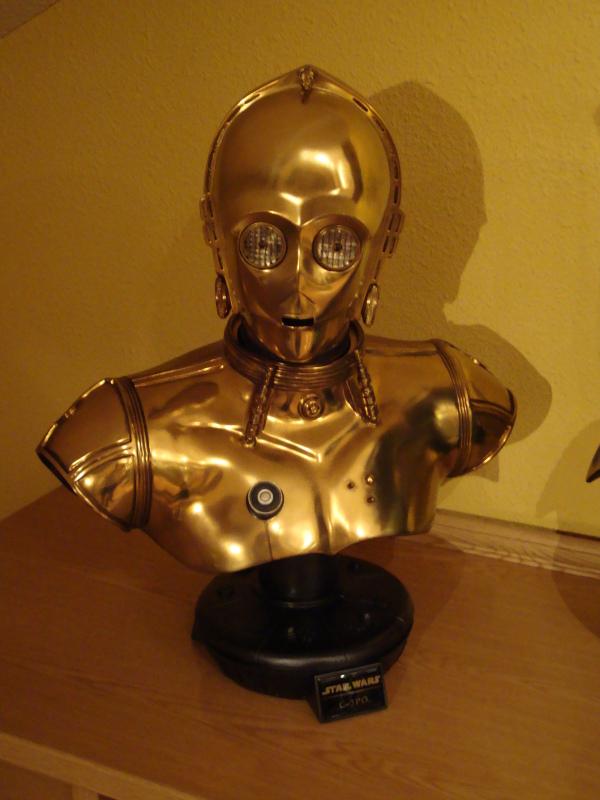 C-3PO LIFE SIZE BUST Dsc01115