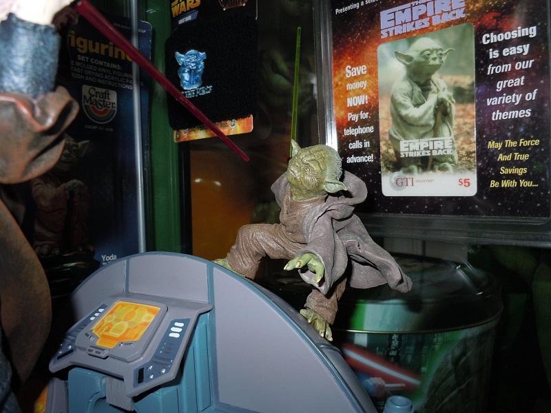 Sideshow - Senate Duel: Yoda vs. Darth Sidious - Page 2 Sidesh12