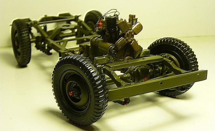 FINEMOLDS 1/20éme - U.S.ARMY 1/4 ton 4X4 TRUCK - JEEP ( SLAT GRILLE) - Page 2 P1050727