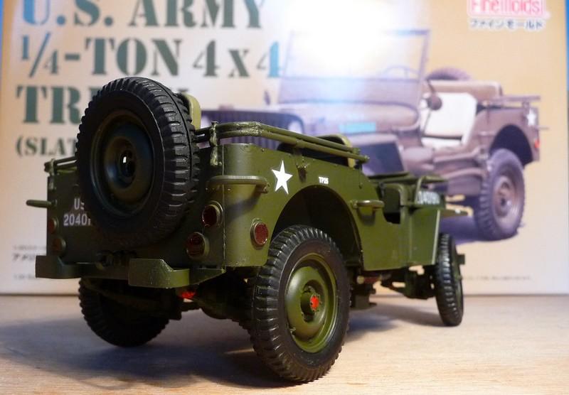 FINEMOLDS 1/20éme - U.S.ARMY 1/4 ton 4X4 TRUCK - JEEP ( SLAT GRILLE) - Page 2 P1050729