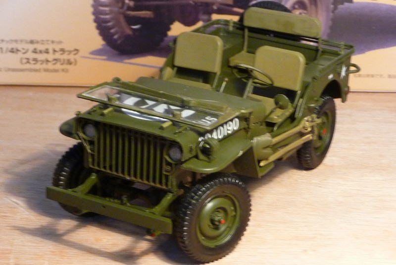 FINEMOLDS 1/20éme - U.S.ARMY 1/4 ton 4X4 TRUCK - JEEP ( SLAT GRILLE) - Page 2 P1050731