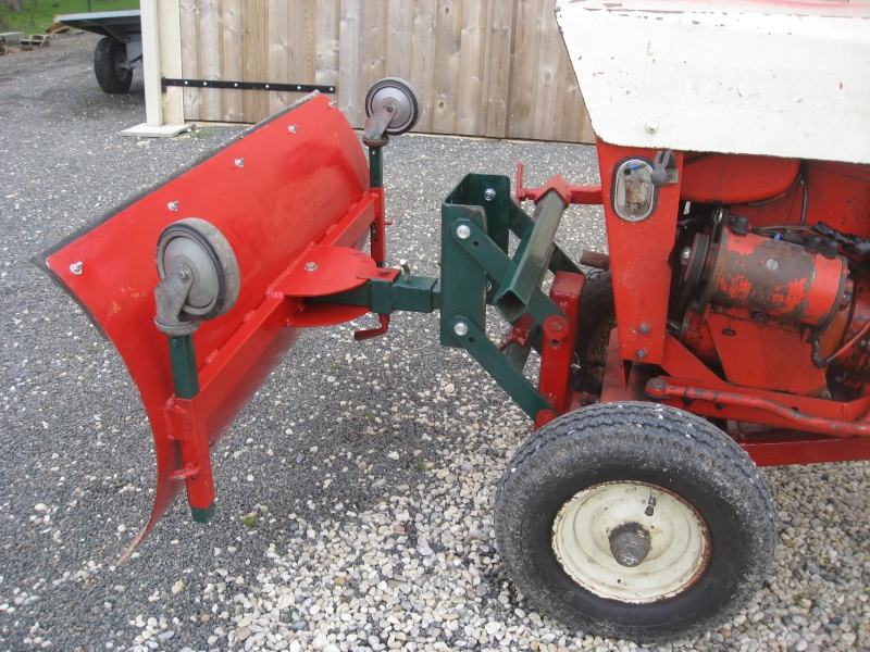 VEND LAME CHASSE NEIGE POUR MICRO TRACTEUR Img_0414