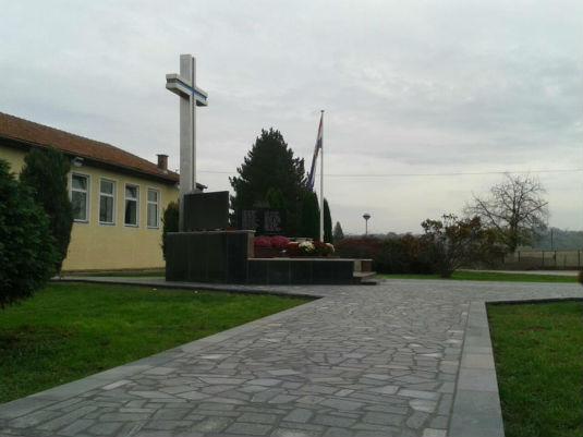 Završeni radovi na sanaciji spomenika poginulim braniteljima  19796510
