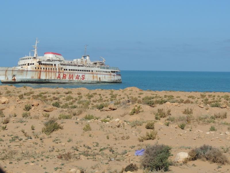 [Carburant, Routes, Police] Route longeant l'Océan entre Tarfaya et Foum-El-Oued  Maroc_20