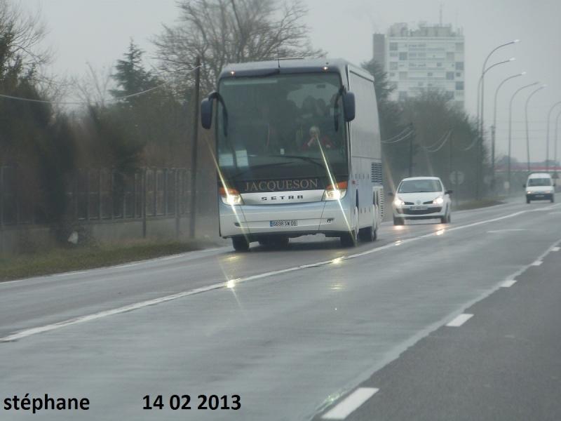 Cars et Bus de la région Champagne Ardennes - Page 4 P1070022