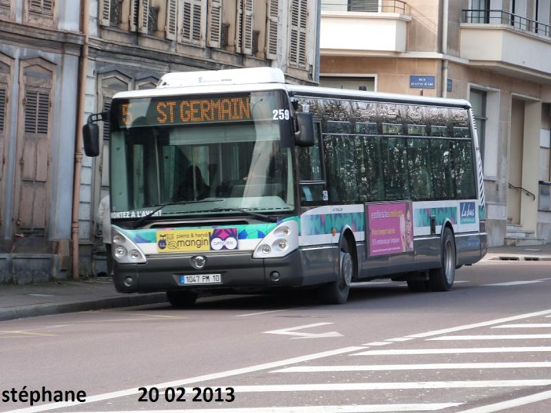 Cars et Bus de la région Champagne Ardennes - Page 4 P1070717