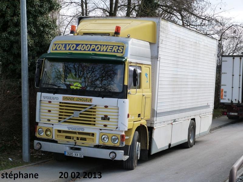 Les Camions des forains - Page 3 P1070724
