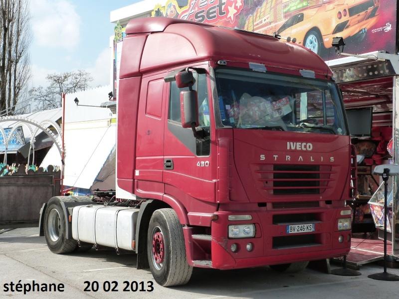 Les Camions des forains - Page 3 P1070730