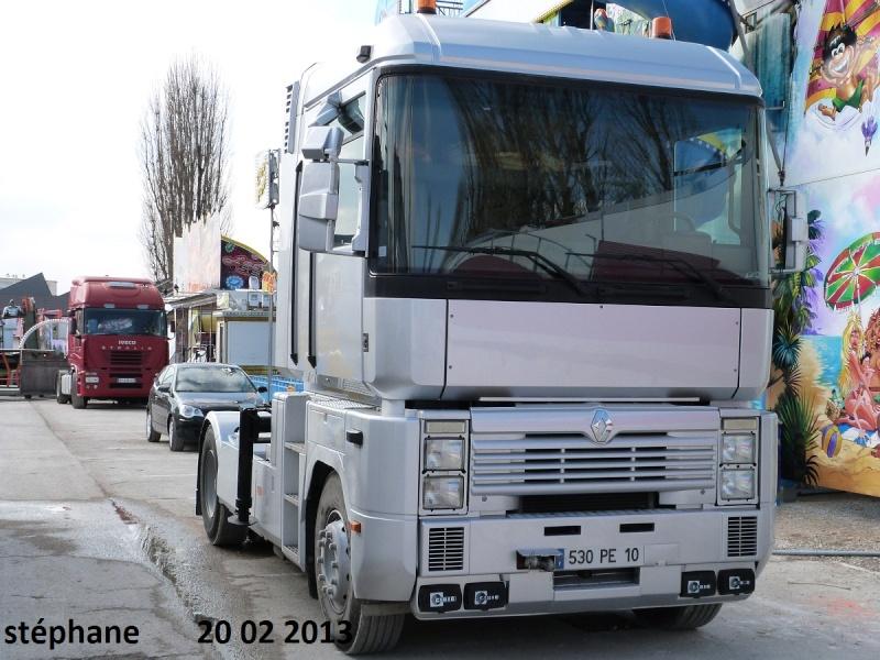 Les Camions des forains - Page 3 P1070732