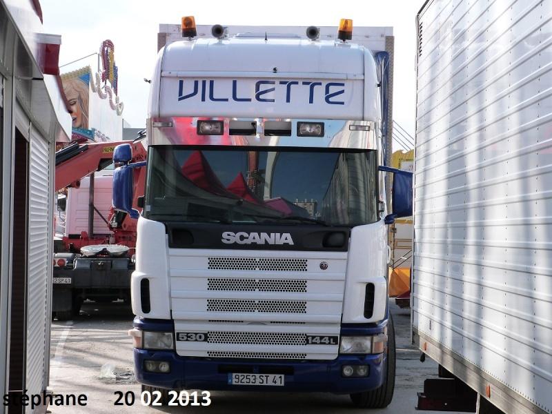 Les Camions des forains - Page 3 P1070735