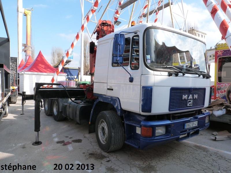Les Camions des forains - Page 3 P1070736