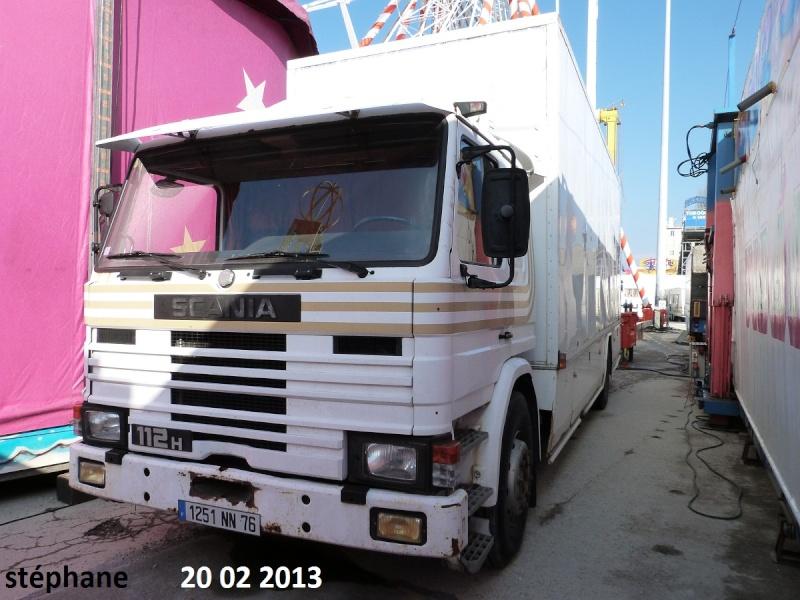Les Camions des forains - Page 3 P1070738