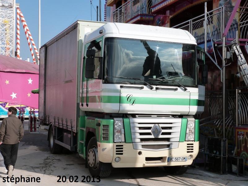 Les Camions des forains - Page 3 P1070813